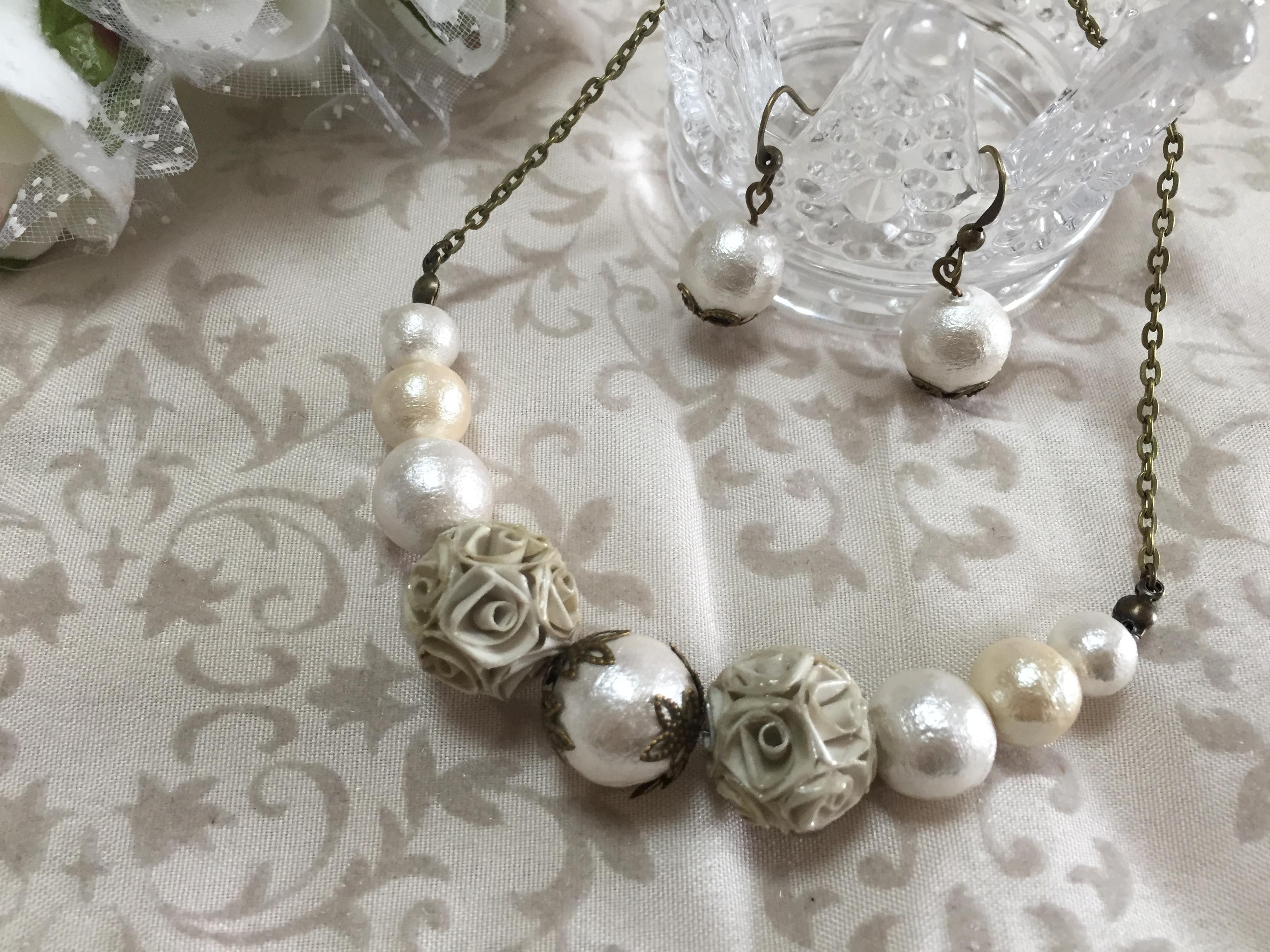 薔薇のロザフィ*ジュリアとコットンパールのネックレス&ピアスセット